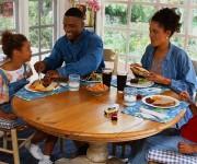 شام خانوادگی راهی برای ارتباط قوی
