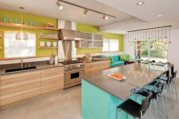 ترکیب رنگ های مشخص و درخشان در آشپزخانه