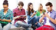 عواقب لایک و تایید نوجوانان در فضای مجازی
