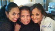 محمد علی و دخترانش لیلا و هانا