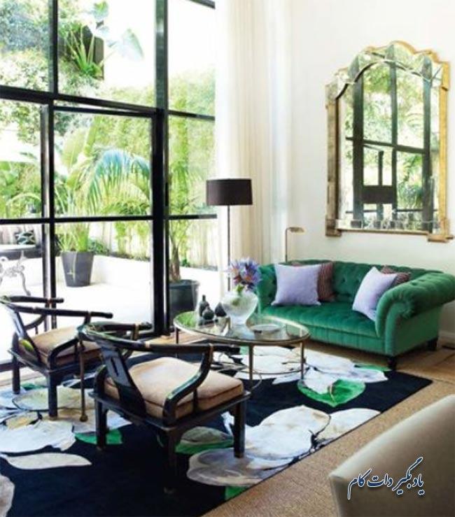 کاناپه سبز تند به سبک سنتی و قدیمی