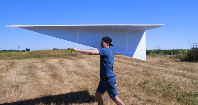 موشک کاغذی غول پیکر قابل پرواز