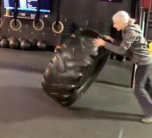 ورزش های شگفتی ساز خانم 72 ساله