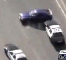 تعقیب و گریز پلیس آمریکا با یک راننده حرفه ای