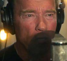 خوانندگی آرنولد و موزیک ویدیوی انگیزشی